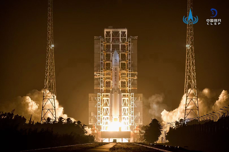Lunar Probe Change-5 Successfully Launched with the Support of Yutong Bus