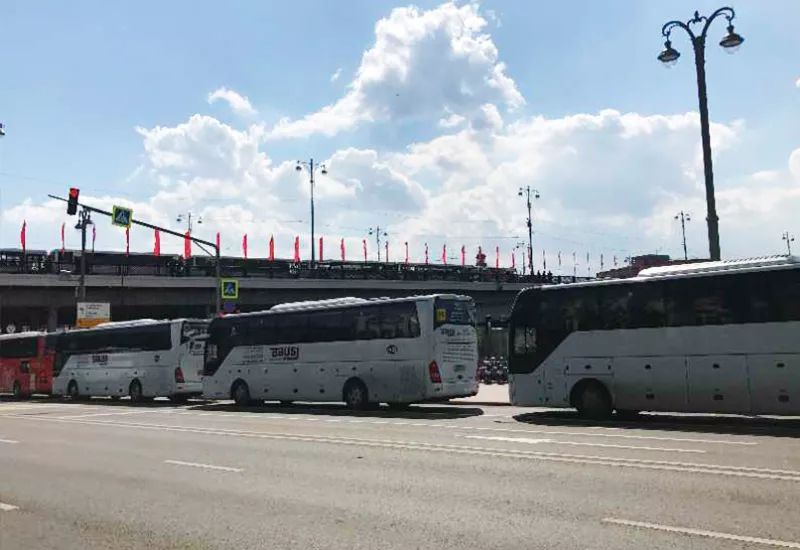 Nearly 200 Yutong buses service the Russia Victory Day